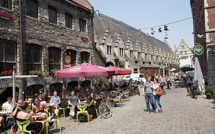 A weekend in Ghent and Bruges - Wonderful Wanderings