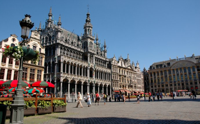 Brussels to Bruges: Experience Two Iconic Belgian Cities by Train