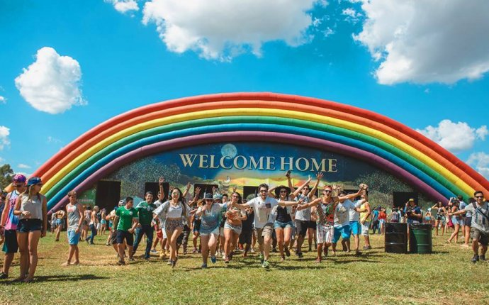 Dreamville Tomorrowland 2017 : Mansion, Cabana, Easy Tent And More