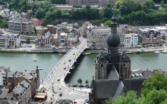 Photos Dinant | Travel Guide Dinant | Travelogue Dinant