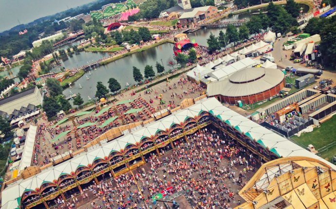 Surviving Tomorrowland: How To Get Tickets • Alex in Wanderland